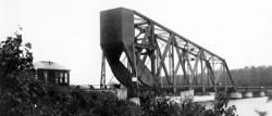 Rainy River bridge, with bridge tender's house located to the left.