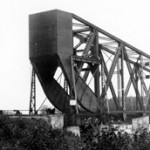 Rainy River bridge, with bridge tender's house located to the left.